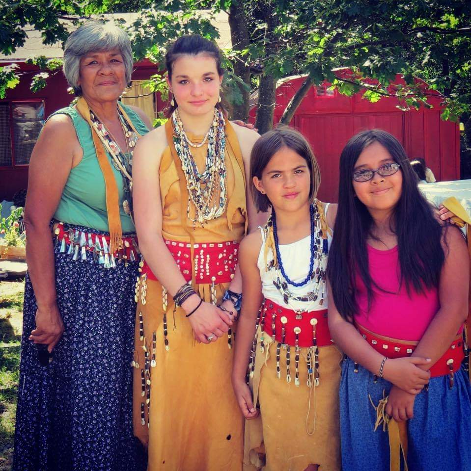 A photo featuring from left to right April Moore (grandmother), Brooklyn Shinabargar (granddaughter), Sadie Hampshir (granddaughter), and Isabella Delatorre (niece).